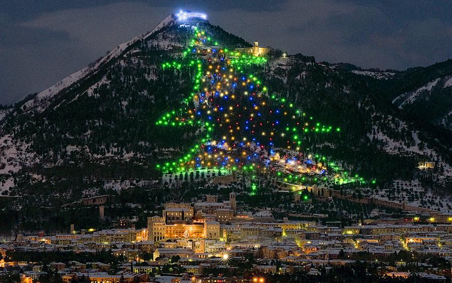 Agriturismo Molino Sette Camini - Albero di Natale di Gubbio